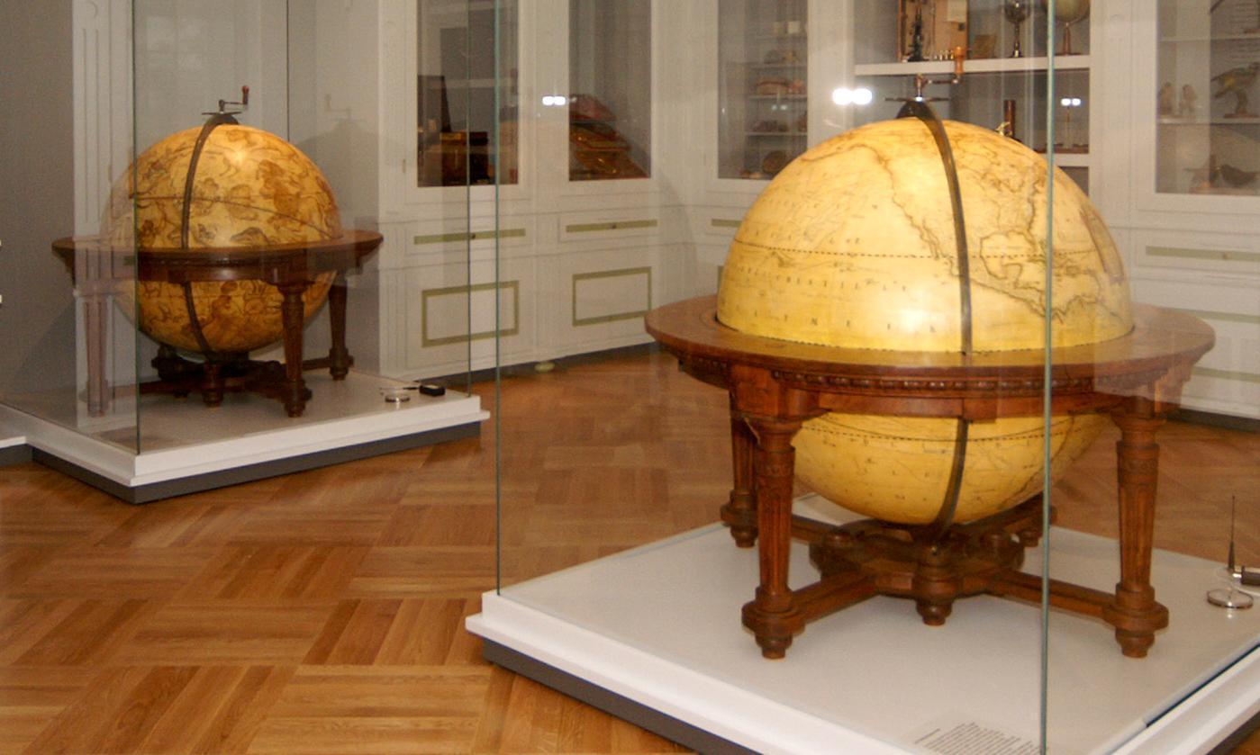Globen im Klostermuseum Schussenried; Foto: Landesmuseum Württemberg