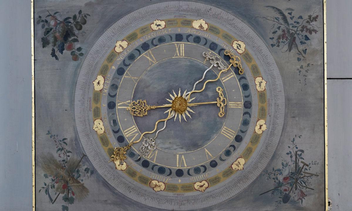 Die Uhr im Rittersaal von Schloss Weikersheim; Foto: Staatliche Schlösser und Gärten Baden-Württemberg, Niels Schubert