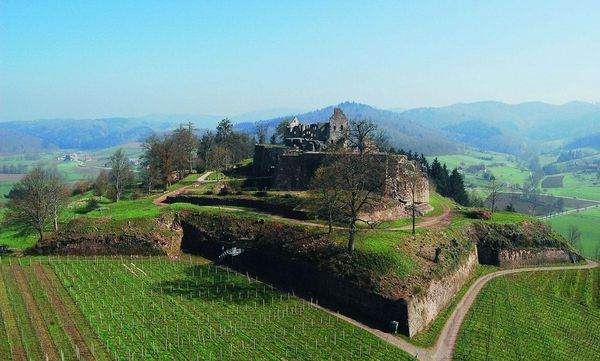 Luftansicht der Hochburg bei Emmendingen; Foto: Axel Brinkmann